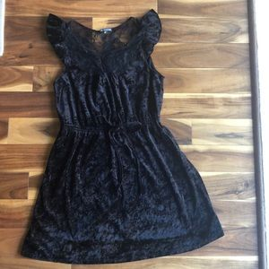 Velvet and lace dress with Capped sleeves